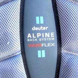 Deuter Alpine Back System -VariFlex. Comprised of vertical padded foam strips and a Delrin support rod.