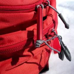 Avalanche gear compartment zipper