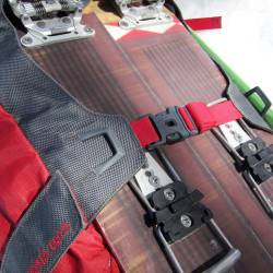 Verticle carry snowboard lashings